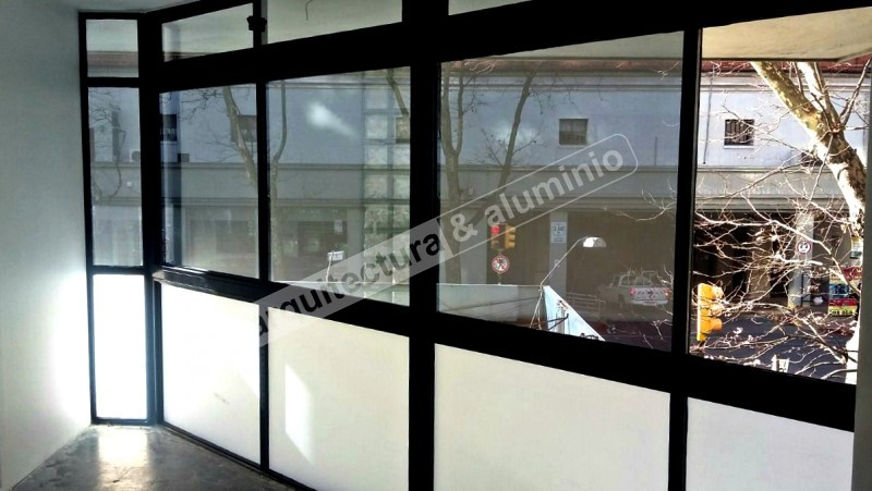 Arquitectura aluminio obras cerramientos en fachada for Cerramientos oficinas