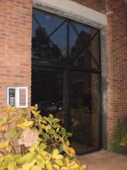 Imagen de Puerta batiente - Entrada a Edificio en