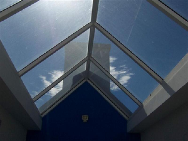 Arquitectura aluminio claraboyas materiales para for Claraboyas para techos