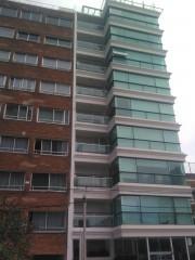 Imagen de Ingreso edificio & barandas en Malvin