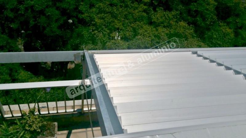 imagen de de obra prgola mvil en aluminio e isopanel