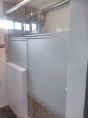 Imagen de Mampara para baño en vidrio en Mamparas