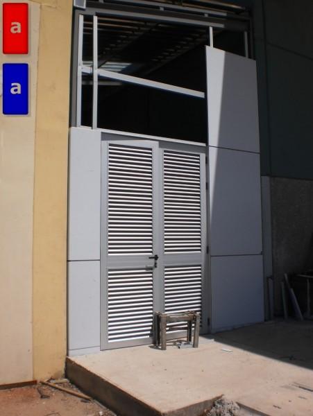 Arquitectura aluminio obras revestimiento de fachada for Fachada aluminio