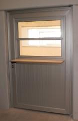 Imagen de Puerta de Aluminio con Guillotina línea Gala en Puertas