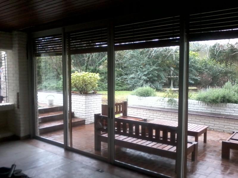 Arquitectura aluminio cerramientos salida a porche - Cerramiento aluminio porche ...