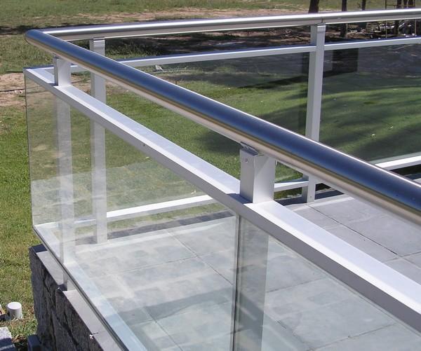 Pin residencial portones puertas ventanas protecciones mas - Barandas de terrazas ...